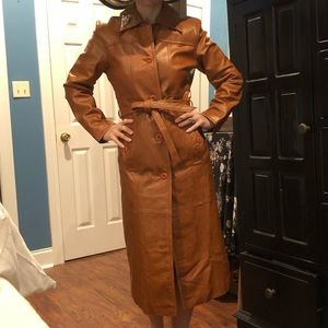 Vintage Leather Trench <<Perfect for Fall>> 🍂